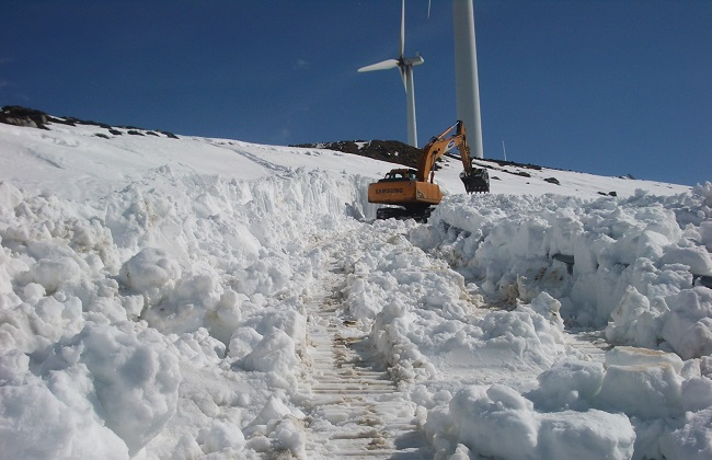 To reach wind turbines in the Alps is often not very easy...